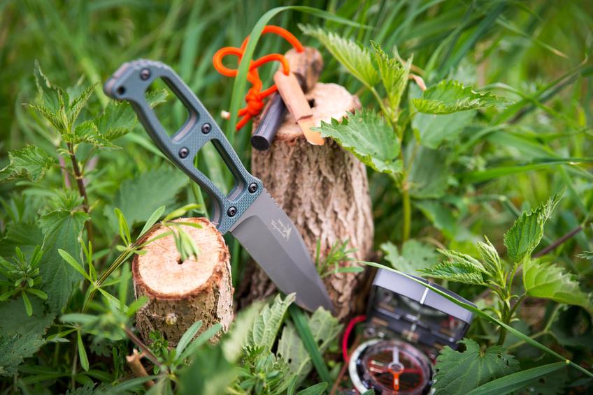 Messer beim Survivaltraining